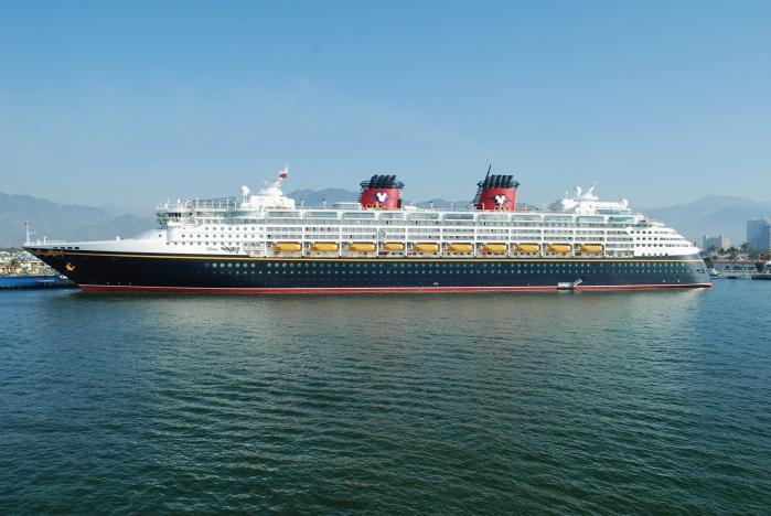 Disney_Wonder_20110216